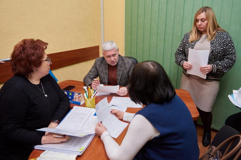 Пільговий проїзд для дітей та ремонт доріг: Ігор Терехов зустрівся з харків'янами
