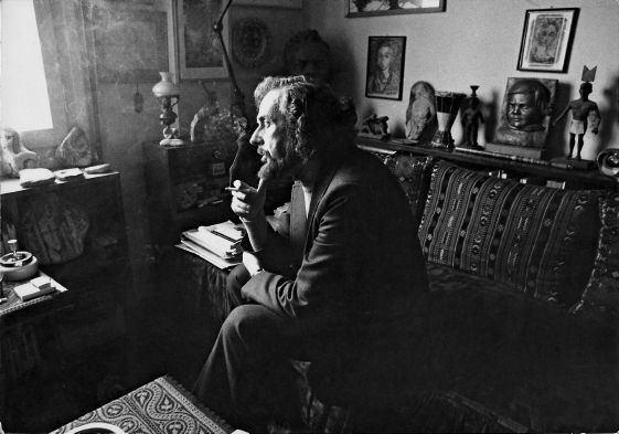 У бібліотеці Каразіна пройде виставка, присвячена грецькому поету-революціонеру Яннісу Ріцосу
