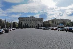 У центрі площі Свободи з'являться клумби
