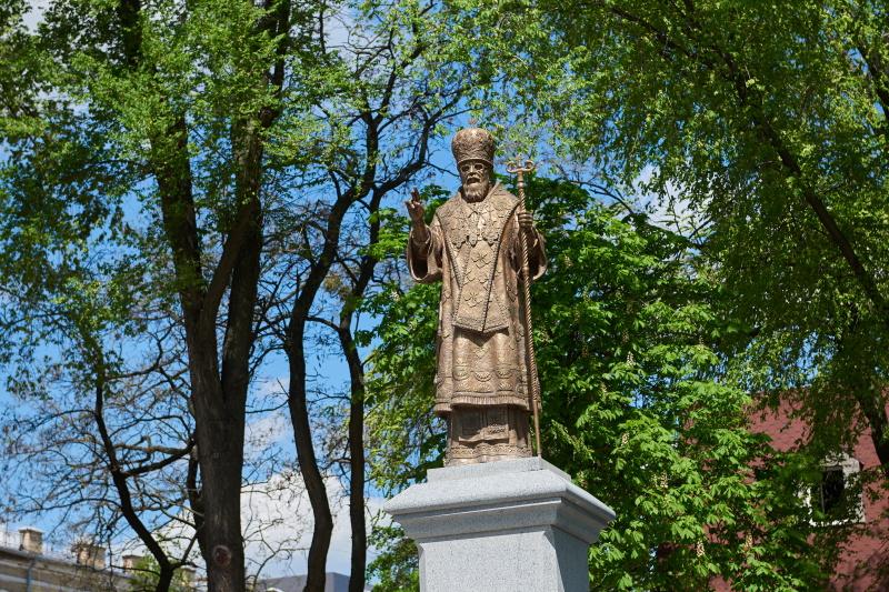 У Харкові відкрили пам'ятник митрополиту Никодиму