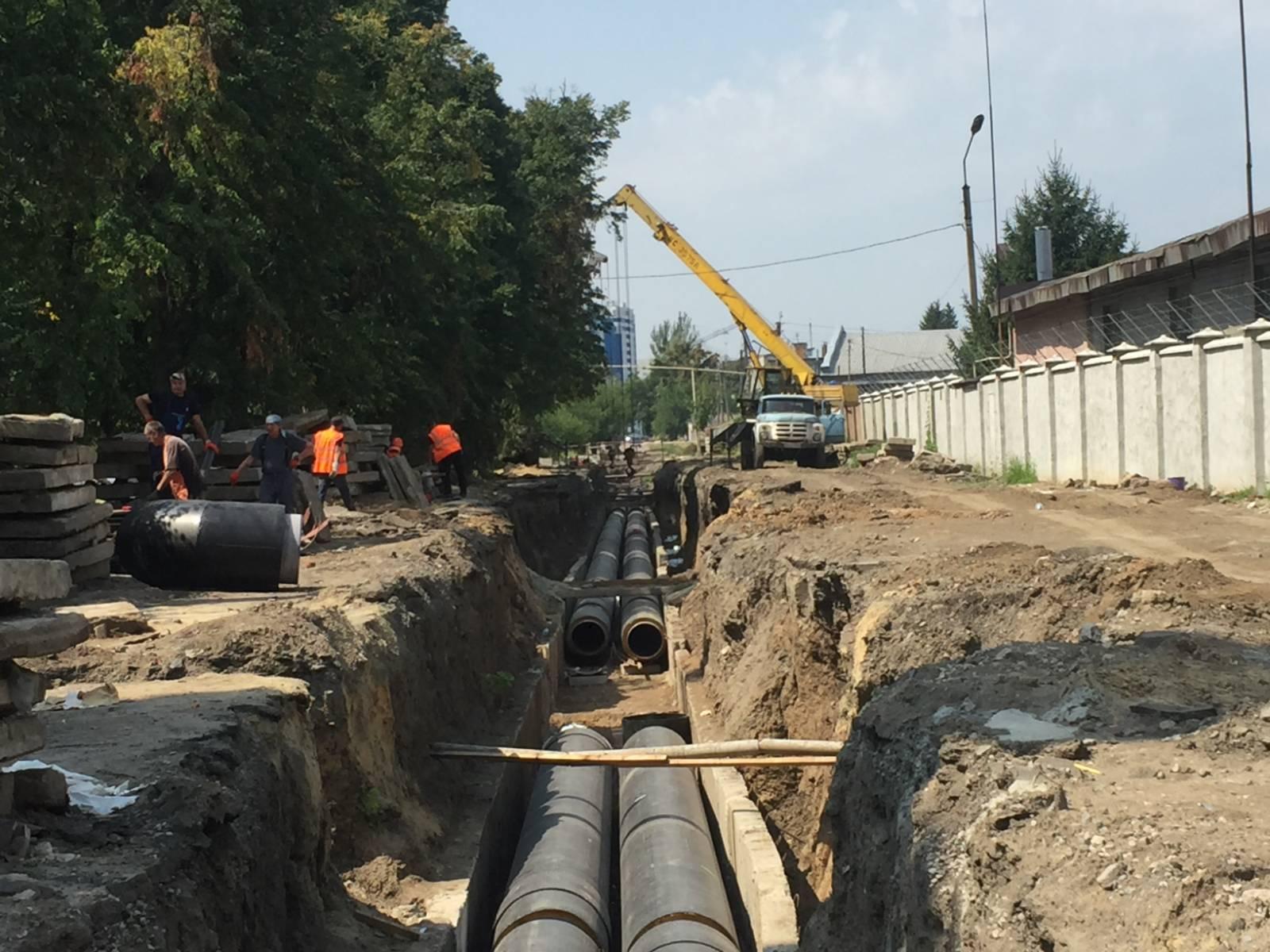 «Теплові мережі» ведуть реконструкцію магістрального трубопроводу в Слобідському районі