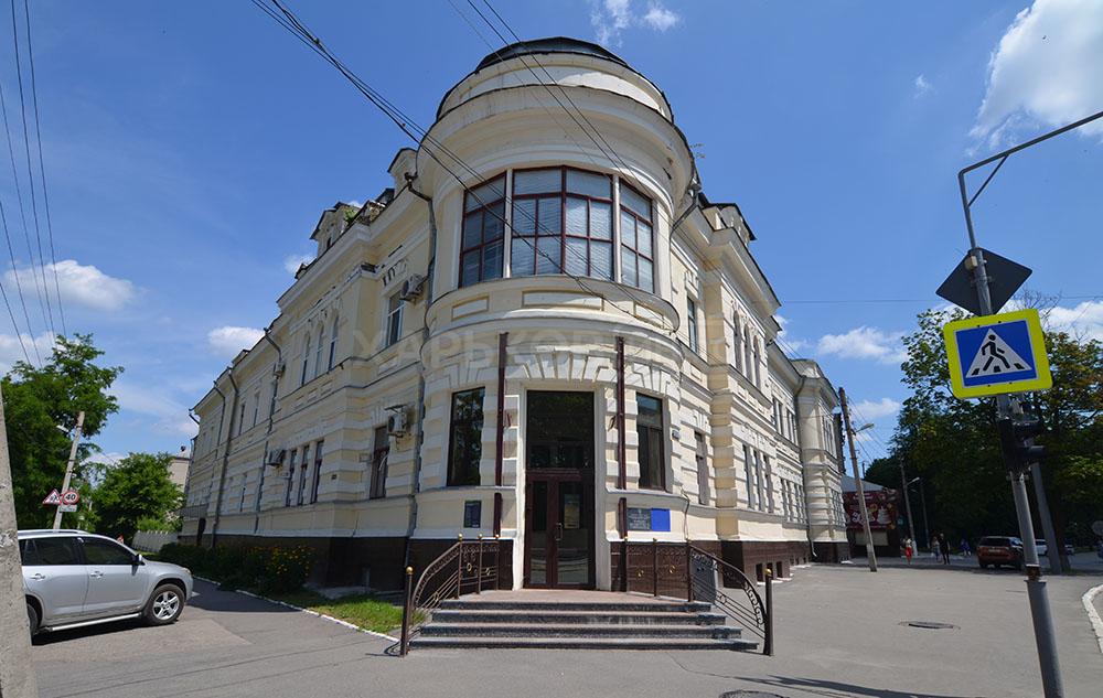 Будівля пологового будинку №2 на Московському проспекті була і буде у власності міста, - офіційна заява