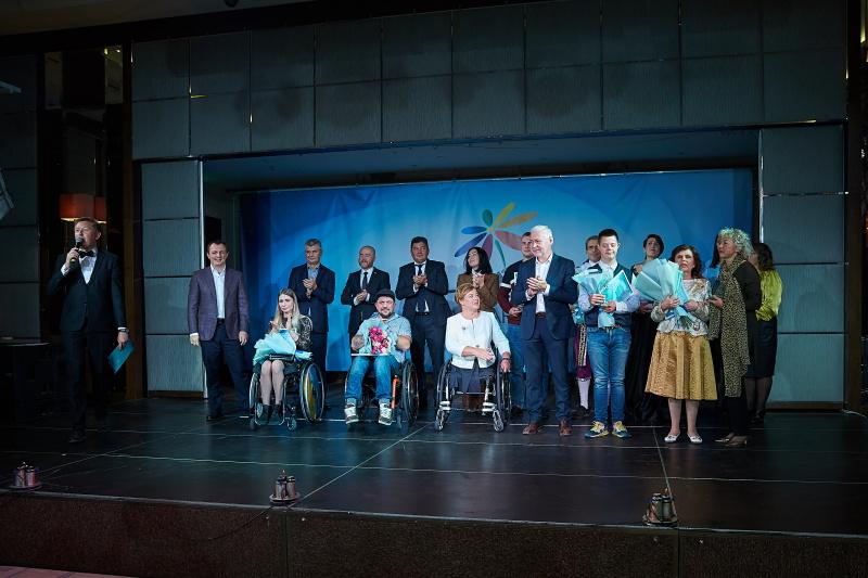 У Харкові людям з інвалідністю вручили премії за особливі досягнення
